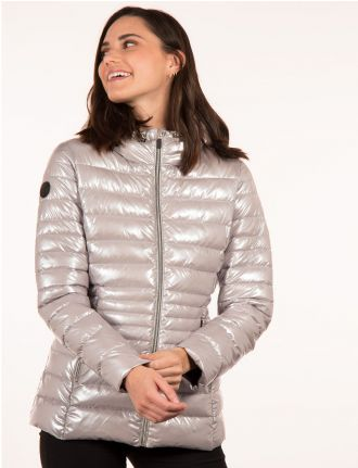Manteau compressible et ultra-léger métallique par Point Zero